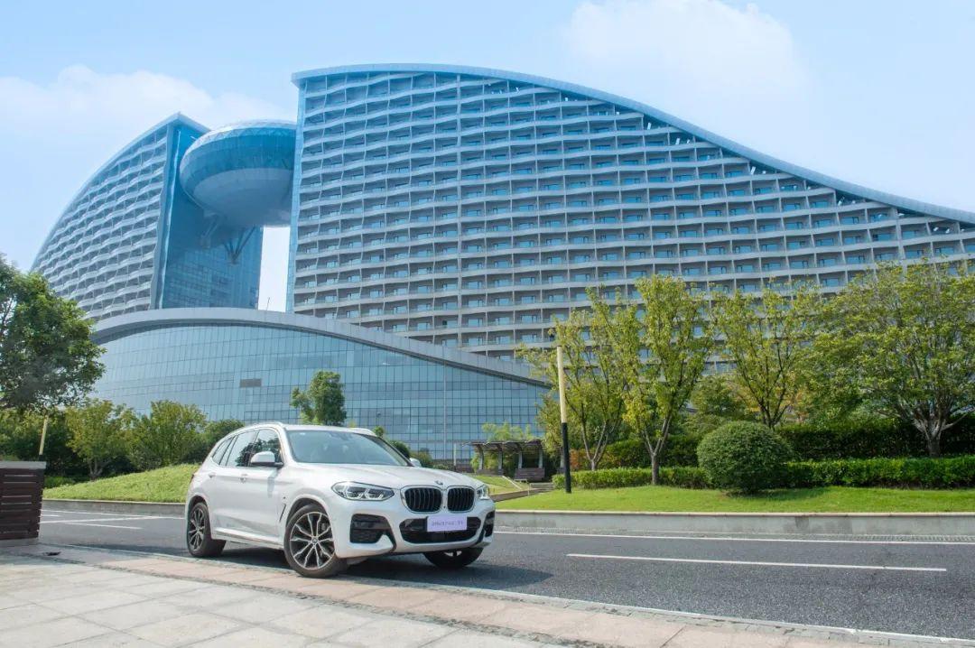 本色不改,驾趣如新BMW官方认证二手车带你玩转武汉